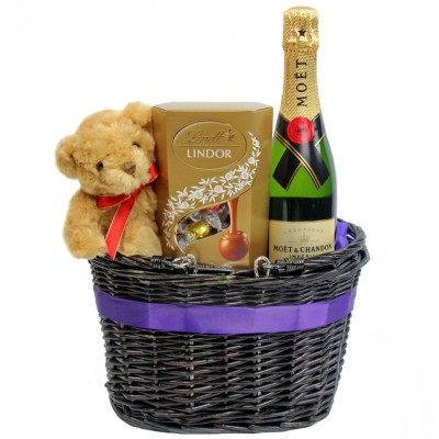 Premium Gift Basket Moet Chandon Bear Lindt Chocolates